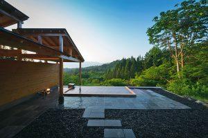 """Superb view hot springs. Japanese Modern Luxury Ryokan """"Satoyamajujo"""""""