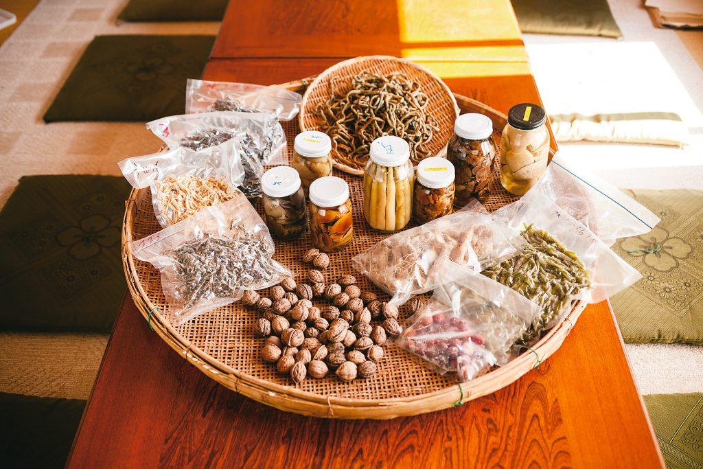 Various ways to preserve mountain ingredients